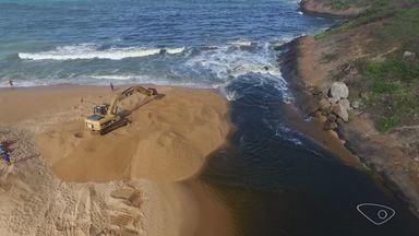 Foz do Rio Jucu é reaberta após milhares de peixes serem encontrados mortos em Vila Velha - O objetivo é possibilitar a oxigenação e viabilizar a passagem das embarcações dos pescadores.