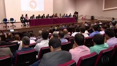 Prefeitos eleitos participam de encontro sobre transição municipal - Ideia é evitar desmonte dos municípios.