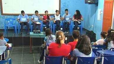 Escola Pedro Alvares Cabral realiza aulão preparatório para o ENEM - Candidatos aproveitam para tirar dúvidas sobre o exame.