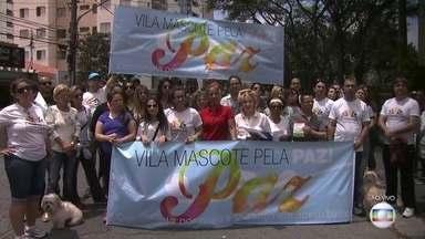 Moradores da Vila Mascote vão às ruas para pedir mais segurança - O SPTV vem acompanhando a luta da comunidade para ter uma base fixa da polícia no bairro. Eles fizeram um abaixo assinado e pretendem entregar para as autoridades.