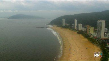 Feriado de Finados com muita gente no litoral do estado - O repórter Bruno Fávaro é quem mostra como está o feriado nas praias