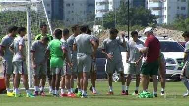Fluminense busca entrar no G6 nesta reta final do Campeonato Brasileiro - Técnico Levir Culpi ainda não revelou o substituto do volante Pierre para o jogo de domingo, contra o Cruzeiro.