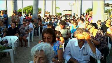 Cemitérios de Petrolina recebem visitantes no Dia de Finados - A cidade sertaneja tem três cemitérios.