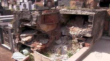 Três cemitérios de São Paulo sofrem com abandono e túmulos depredados - Os problemas foram encontrados no cemitério Chora Menino, no Araçá e no Cemitério da Vila Nova Cachoeirinha.