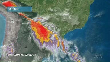 Após vendaval, previsão é de mais tempo instável em Londrina nos próximos dias - Chuva deve ocorrer de forma isolada na região.