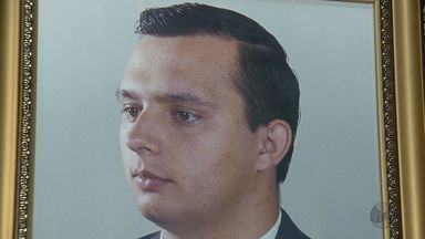 Padre José Erlei, morto há 15 anos, recebe homenagens no Dia de Finados em Candeias (MG) - Padre José Erlei, morto há 15 anos, recebe homenagens no Dia de Finados em Candeias (MG)