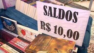 Feira do livro aposta em saldão de obras em Porto Alegre - Os expositores esperam movimentar e estimular o consumo com o preço mais baixo.