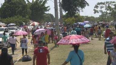 Mais de 500 mil pessoas visitam cemitérios de Manaus durante 'Finados' - Missa campal encerrou feriado no São João Batista.