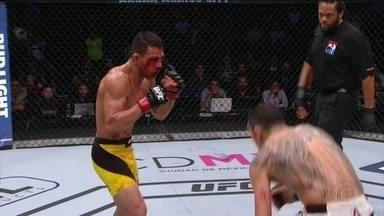 Tony Ferguson derrota Rafael dos Anjos no UFC no México - Brasileiro não conseguiu vencer americano.