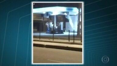 Vazamento de gás em posto de combustível assusta funcionários e motoristas na Praça Seca - O vazamento era tão forte que saía como um jato branco. Bombeiros conseguiram controlar a saída do gás. Ninguém ficou ferido.
