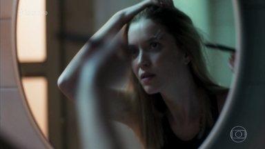 Nathalia Dill faz gêmeas Júlia e Lorena em 'Rock Story' - Atriz conta que na vida real tem uma irmã chamada Júlia que também mora fora