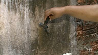 Moradores do bairro Cohatrac sofrem com problema de falta d'água - O que gera mais reclamação é o fato de que, mesmo com falta de água, as contas não param de chegar.
