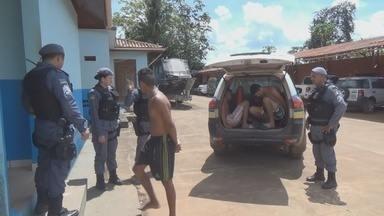 PM prende quadrilha responsável por diversos assaltos em Oiapoque, no Amapá - A Polícia Militar (PM) prendeu uma quadrilha acusada de praticar diversos assaltos em Oiapoque.