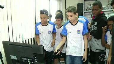 Estudantes do Sesi de Barra do Piraí, RJ, participam dos Jogos Coloborativos - Projeto estimula aprendizado usando jogos eletrônicos como ferramenta de ensino.