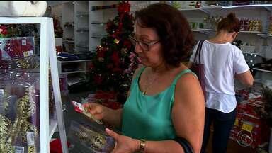 Decoração de Natal já começa ser usada por moradores de Petrolina - As lojas que vendem artigos natalinos já estão preparadas para a procura