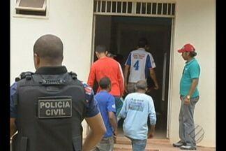 Polícia prendeu 15 pessoas que invadira casa de casal investigados por fraude na Sefa - A casa é avaliada em R$ 15 milhões de reais.