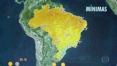 Confira como fica o tempo nesta segunda-feira (14) em todo o país - Dia de céu fechado, com chuva em parte do RJ, leste de MG, ES até o sul da BA. Em SP ainda chove também. Sol do RS até o sul de MS e em parte do Nordeste, de Sergipe até o Maranhão.