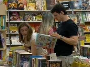 30ª Feira do Livro de Passo Fundo, RS, encerrou no fim de semana - Feirantes comemoram vendas; Organização destaca número de visitantes