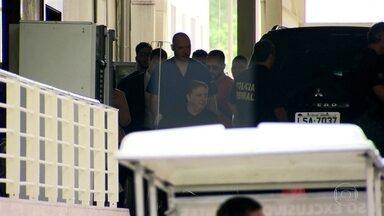 Anthony Garotinho tem alta do hospital e cumpre prisão em casa - Ex-governador vai cumprir prisão domiciliar em seu apartamento no bairro do Flamengo. Advogados estão providenciando tornozeleira eletrônica.
