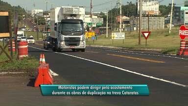 Com obras de duplicação, trânsito no acostamento da BR-277 é liberado - PRF orienta a motoristas a não trocarem de faixa para evitar acidentes