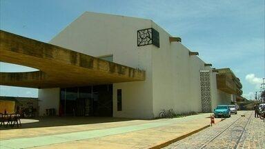 Turistas se surpreendem com Cais do Sertão fechado - Museus estava com as portas fechadas nesta terça-feira. Governo não soube explicar motivo.
