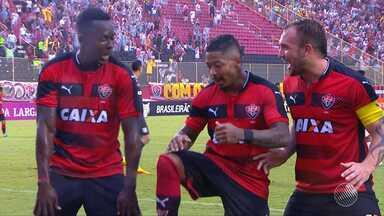 Torcida do Vitória comemora goleada e acredita na permanência do time na série A - No último domingo, o time baiano venceu o Figueirense por 4 a 0. Marinho, mais uma vez, foi o destaque da partida.