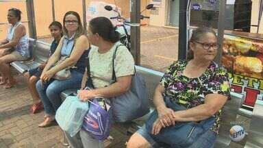 Trabalhadores do transporte coletivo e limpeza pública de Paulínia fazem paralisação - Por falta de repasse da prefeitura para as empresas prestadoras de serviço, funcionários das duas categorias cruzaram os braços