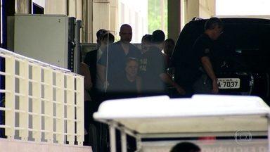 Anthony Garotinho é mantido em prisão domiciliar - Anthony Garotinho é mantido em prisão domiciliar. Ele recebeu alta do hospital em que estava internado, na manhã de hoje.