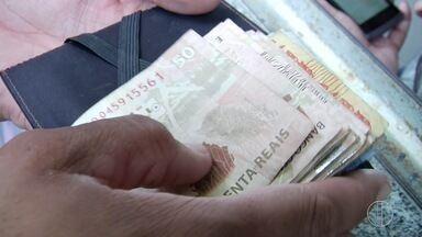 RJ Inter TV 2ª Edição oferece dicas para economizar o 13º salário - Confira as dicas de um economista.