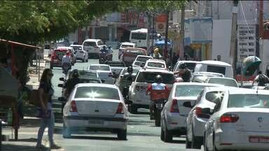 Pesquisa avalia uso irregular de carros e motos por adolescentes em Patos - Levantamento aponta que mais de 60% dos jovens dizem que já conduziram veículos sem CNH