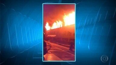 Incêndio em quartos de um convento em Belo Horizonte deixa uma freira morta - A freira tinha 82 anos. Outras freiras tiveram intoxicação com a fumaça. O fogo começou no fim da madrugada. As causas do incêndio estão sendo investigadas.