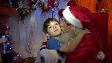 Casa do Papai Noel já está aberta pra receber a criançada - O natal oficial de Maringá foi aberto no fim de semana