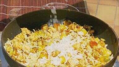 'Prato Feito': Fernando Kassab ensina com fazer arroz indiano - Frango e maçã são os ingredientes especiais da dica desta segunda-feira (28).