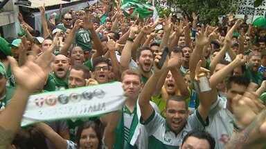 Em Manaus, palmeirenses acompanham jogo pela tv e vibram com título do Brasileiro - Amazonenses fazem a festa com a coroação da campanha alviverde.