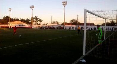 Goleiro do Ceará pega o último pênalti na semifinal do Nordestão sub-20 contra o CRB - Esau acerta o canto e leva o Vozão à grande final da Copa do Nordeste