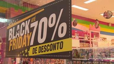 Comércio de Londrina comemora boas vendas na Black Friday - Sindicato do Comércio Varejista estima em 20% a alta em relação às vendas do mesmo período do ano passado.