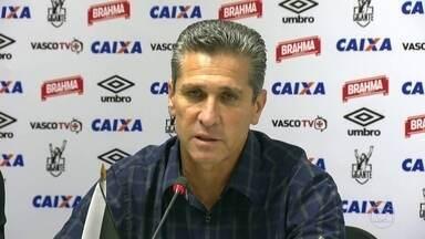 Jorginho não é mais o técnico do Vasco - Depois de uma hora de conversa, e em decisão consensual, o Vasco decidiu desfazer toda a sua comissão técnica. A saída de Jorginho já era esperada após o clube garantir vaga na primeira divisão.