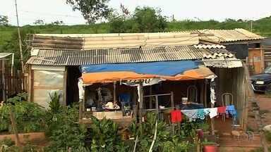 Famílias que invadiram área em Senador Canedo devem desocupar local até quarta (28) - Justiça deu ordem de reintegração de posse para o estado.
