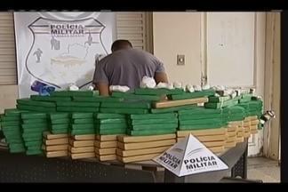 Polícia apreende cerca de 108 kg de maconha em Uberaba - Jovem de 26 anos foi detido nesta sexta-feira (2). Militares ainda apreenderam cocaína e balanças de precisão.