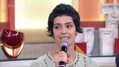Maria Flor comemora sucesso como Flávia de 'A Lei do Amor' - Atriz cortou o cabelo curtinho para a personagem e diz que adorou o novo visual