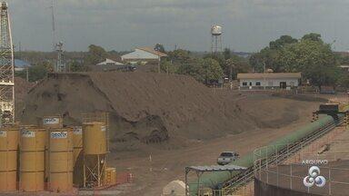 Transporte de minério feito pela Zamin, em Santana, foi embargada pelo MP-AP - A Zamin tem uma dívida bilionária e esse minério é uma das poucas garantias de que empregados e fornecedores poderão um dia receber.