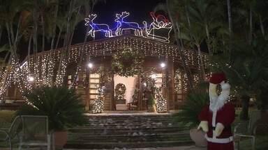 Casa do Papai Noel já está aberto no Park Way - Essa é uma tradição de 24 anos. A neve artificial faz a alegria das crianças.