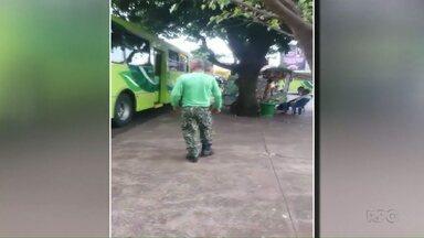 PRF faz motorista de ônibus voltar para pegar passageiro que ficou no ponto - Motorista também foi multado