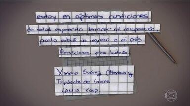 """Comissária de voo da LaMia divulga mensagem e diz que está bem - Internada numa clínica de Medellín desde o acidente, a aeromoça boliviana Ximena Suárez publicou nesta sexta-feira (9) no jornal """"El Deber"""", da Bolívia uma mensagem dizendo que stá em ótimas condições de saúde."""