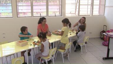 Educação é o assunto de hoje na série que comemora o aniversário de Londrina - O quarto maior município do sul do país é referência no ensino superior e o conhecimento gerado aqui ultrapassa as barreiras da geografia.