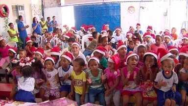 Doações da árvore da Globo NE são entregues a crianças - Primeiras a receber foram crianças de Olinda.