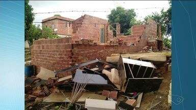 Famílias ficam desalojadas por conta de temporal em Baixo Guandu, Noroeste do ES - Chuva forte atingiu a cidade na tarde desta sexta-feira (9).