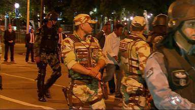 Presidente e vice de associação de PMs são presos por descumprir ordem judicial - Justiça de Pernambuco havia proibido que policiais e bombeiros militares se reunissem para discutir greve.