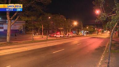 Incêndio atinge agência bancária na Zona Leste de Porto Alegre - Fogo atingiu o local nesta madrugada.