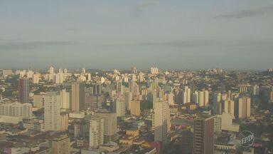 Confira a previsão do tempo de Campinas e região nesta terça-feira - Em Campinas, dia começou com temperatura amena e sem chuva.